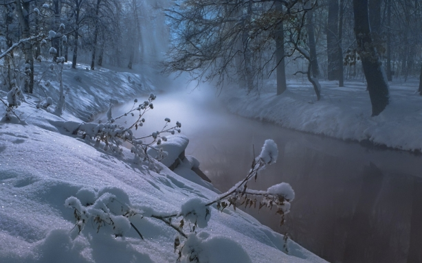 Foggy-Winter-Night-on-River-1680x1050-wide-wallpapers.net