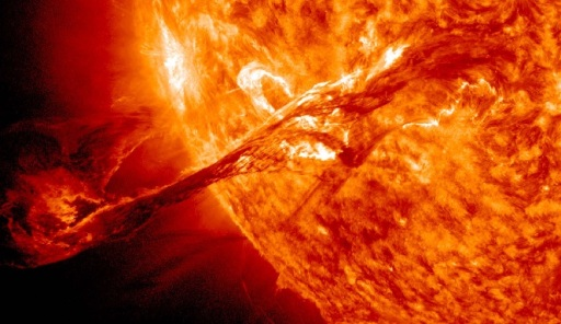 Big-Sunspot-Unleashes-Intense-Solar-Flare-At-Earth